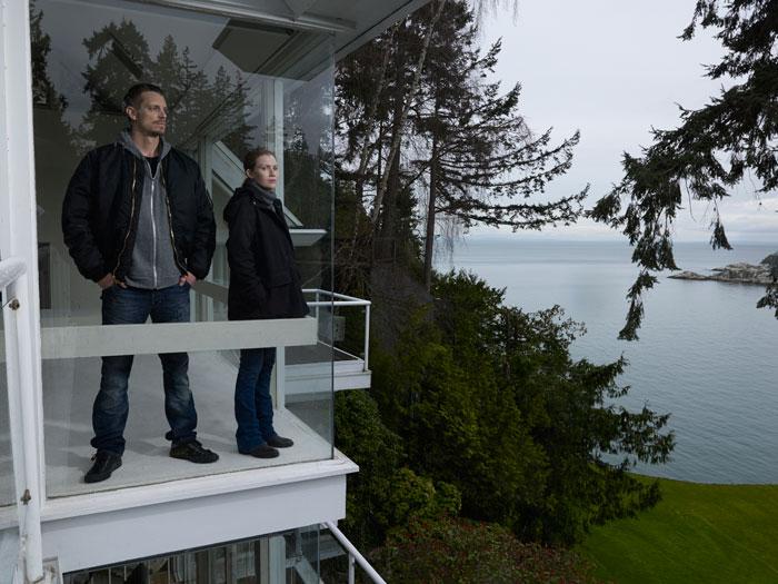 Netflix_The-Killing_Linden-Holder-Corner-Window_0586_V1
