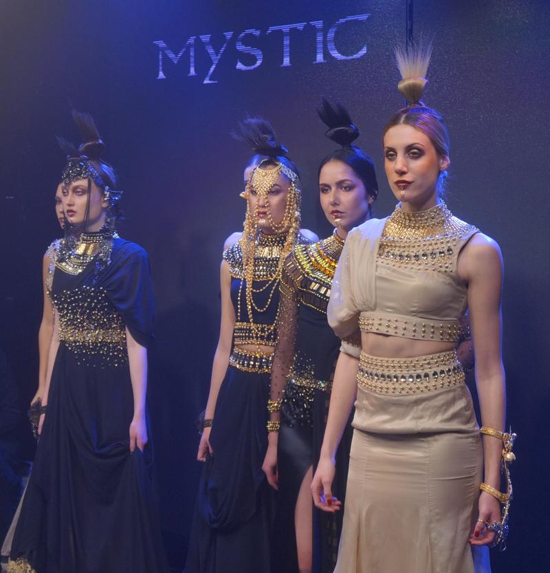 Make up store Mystic