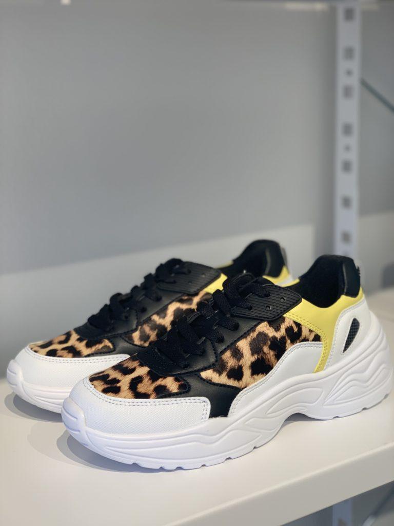 Chunky sneakers Rita Ora